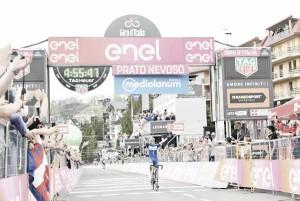 Giro d'Italia, Yates si stacca a Prato Nevoso. Tappa a Schachmann