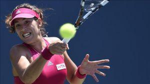Muguruza, Kerber e Ivanovic siguen, mientras que Azarenka quedó eliminada de Stanford