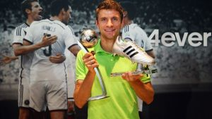 Thomas Muller receives World Cup awards