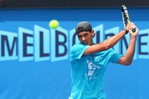 Australian Open: Tomic si ritira, Nadal avanti senza problemi