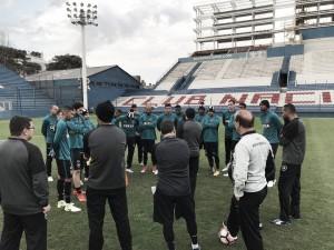 Botafogo viaja para enfrentar Nacional-URU em primeiro jogo das oitavas da Libertadores