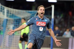 Napoli - Inter, un mese e mezzo dopo: Sarri ed il turnover a metà, c'è Higuain