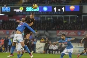 Serie A - Dzeko ed Alisson fanno grande la Roma. Il Napoli crolla, giallorossi e Juve fanno festa