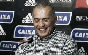 """Nelsinho Baptista motivado com retorno ao comando do Sport: """"Vim para trabalhar"""""""