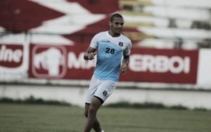 """Zagueiro Néris mira titularidade na Sul-Americana: """"Acredito que não vou ser poupado"""""""