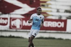 Zagueiro Néris contrai caxumba e vira mais um desfalque do Santa Cruz contra América-MG