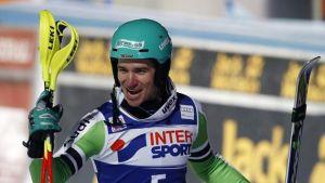 Neureuther vince il primo gigante ad Adelboeden, bene gli azzuri