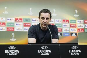 """Neville: """"Con confianza digo que vamos a ganar"""""""
