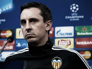 Gary Neville rules himself out of Manchester United job
