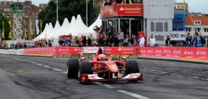 Raikkonen e Verstappen, spettacolo a Rotterdam