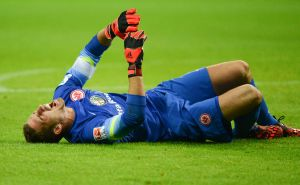 Kevin Trapp out for 3 months