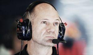 Adrian Newey avisa de la dificultad de igualar el rendimiento del motor Mercedes