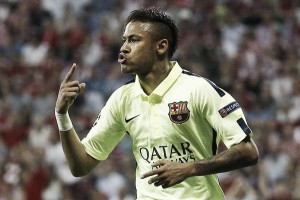 Neymar's father reveals Manchester United bid £145 million for his son