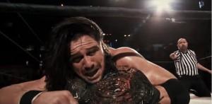 Johnny Mundo retiene frente a Rey Mysterio Jr.