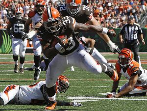 Trent Richardson firma con i Colts