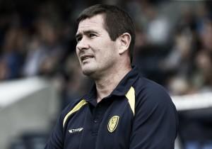 Técnico do Burton, Nigel vê semelhanças entre José Mourinho e seu pai Brian Clough