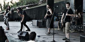 Nihil comparte escenario con el grupo de thrash metal Kamala