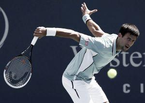 Djokovic se escabulle de un Dolgopolov travieso