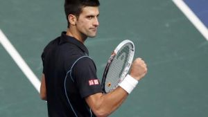 ATP Finals: Federer crolla al terzo, 1° punto per Djokovic