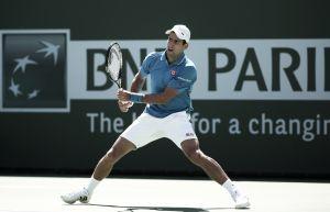 Djokovic arrolla a Murray y defenderá título en Indian Wells