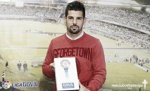 Nolito recibió el premio BBVA al mejor jugador de septiembre