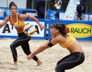 Las chicas del voley playa, a la siguiente ronda sin problemas