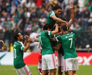 México vapulea a Nueva Zelanda y ya tiene un pie en Brasil