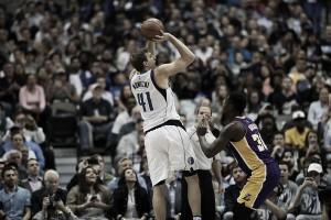 Dirk Nowitzki reaches 30K points against Los Angeles Lakers
