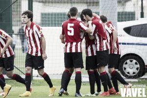 Fotos e imágenes del Bilbao Athletic 2-0 Guadalajara, jornada 13 del Grupo II de Segunda División B