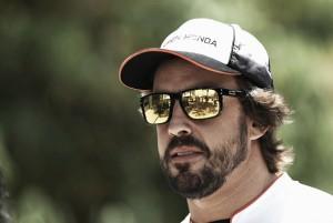 """Fernando Alonso: """"Decidimos atacar y salió bien"""""""