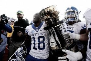 Kentucky Wildcats stun No. 11 Louisville Cardinals in Governor's Cup