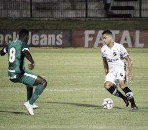 Nathan sai do banco e marca gol solitário da vitória do Goiás sobre ABC
