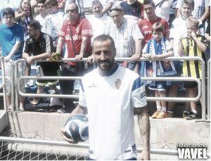 Fotos e imágenes de la presentación de Mario Álvarez con el Real Zaragoza