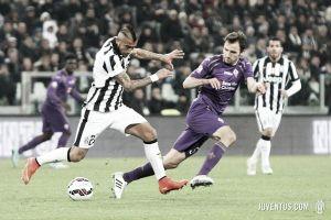 Salah marca duas vezes e Fiorentina sai com vantagem diante da Juventus