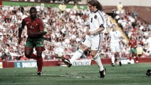 Portugal en la Eurocopa 1996: ¿Qué le pasa a Figo?