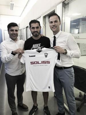 Fabián Espíndola refuerza la delantera del Alba