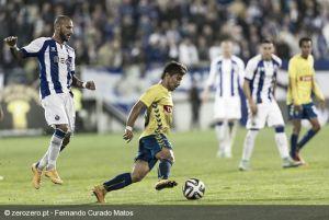 Óliver Torres salva al Oporto en el último momento