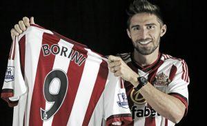 Sunderland complete signing of Fabio Borini