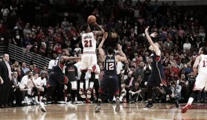 Los Bulls remontan 20 puntos en diez minutos y los Lakers vuelven a perder