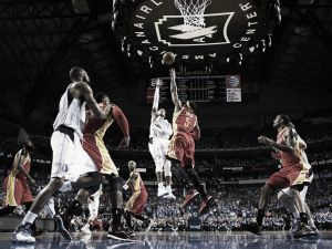 James Harden lidera el asalto a Dallas