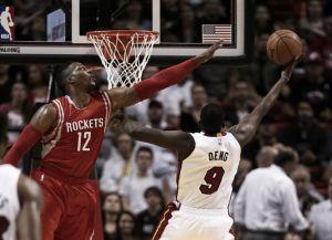 Los Rockets acaban con los Heat y se mantienen invictos