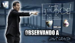 Observando a Javi Gracia ante el Deportivo de la Coruña