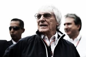 """F1, Ecclestone attacca Mercedes e Ferrari: """"Preoccupate solo dei loro interessi"""""""