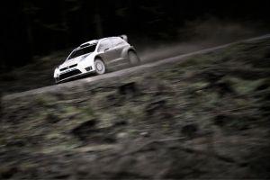 WRC - Rally Galles, giorno 1: Lotta Ogier-Latvala, dietro l'abisso