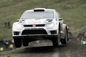 Ogier continúa al frente del Rally de Gales