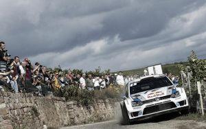 Ogier celebra el título ganando el Rally de Francia