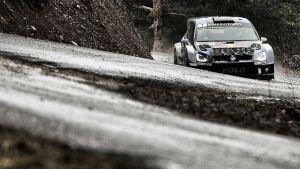 WRC - Rally Monte Carlo, day 2: Loeb stacca una ruota, Ogier leader