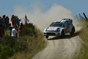 Sebastian Ogier se impone a todos y manda en el Rally de Cerdeña