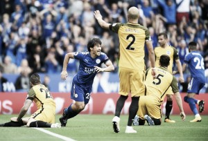 Okazaki marca aos 52 segundos e Leicester supera Brighton sem dificuldades