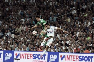Vitória no clássico contra o Saint-Étienne recoloca Marseille na ponta da Ligue 1